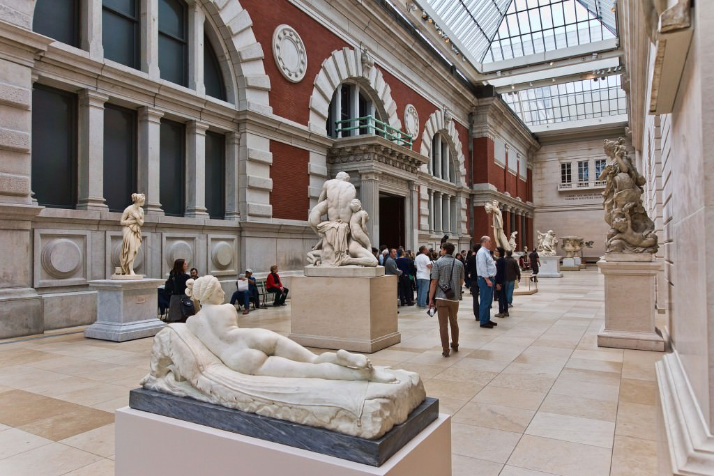 """""""NYC - Metropolitan Museum - Carroll and Milton Petrie European Sculpture Court"""" by Jean-Christophe BENOIST - Own work. Licensed under CC BY 3.0 via Commons."""