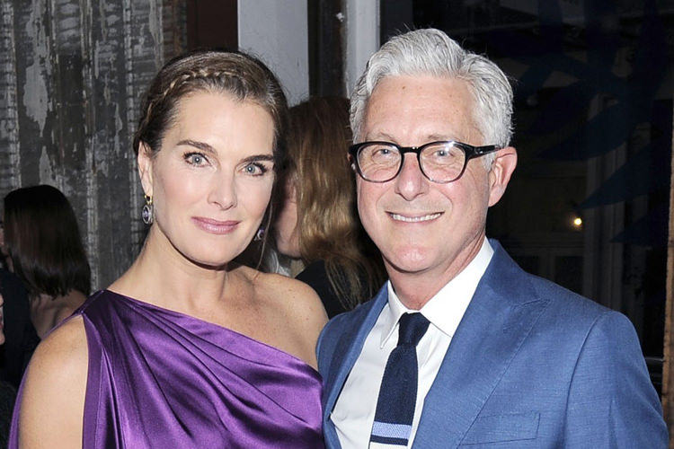 brooke-shields-and-david-kratz-art-southampton